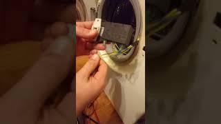 видео УБЛ стиральной машины – замена устройства блокировки люка (замка дверцы)
