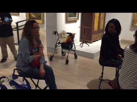 Medical students use art collections to hone skills