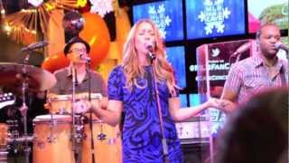 Christmas In The Sand - Colbie Caillat - MLBFanCave - 12/10/12