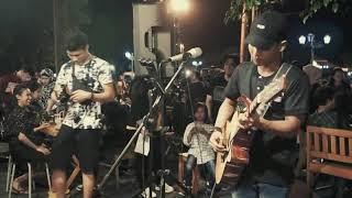 Download MEDLEY SUGENG DALU & KARTONYONO MEDOT JANJI - TRI SUAKA