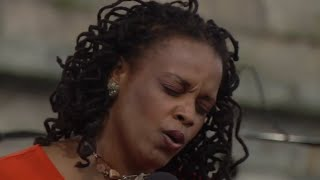 Dianne Reeves Mista 8 12 2000 Newport Jazz Festival Official