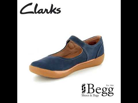 6f4d6ba1 Clarks Un Haven Strap D Fit Navy Mary Jane Shoes - YouTube