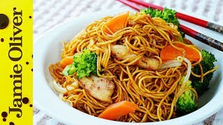 Download lagu Stir Fry Chicken Noodles 鸡肉炒面 | The Dumpling Sisters