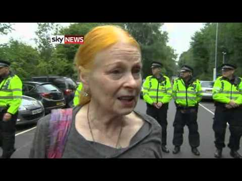 Fashion Designer Joins Anti-Fracking Protests - Today's News