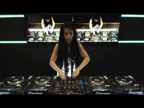 DJ Christy Million & 4 decks