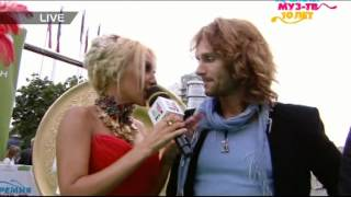 "Tomas N'evergreen на красной дорожке ""Премии Муз-ТВ 2012"""