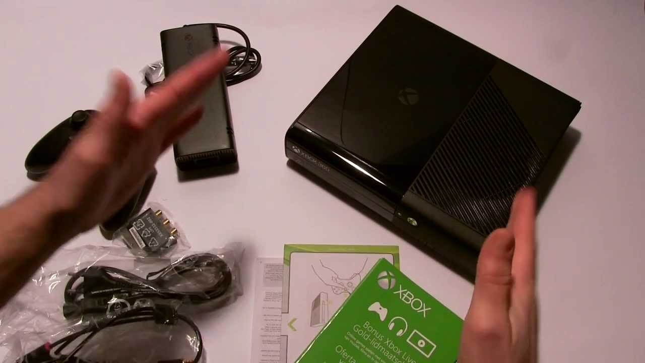 XBOX 360 E (SLIM) UNBOXING! - YouTube