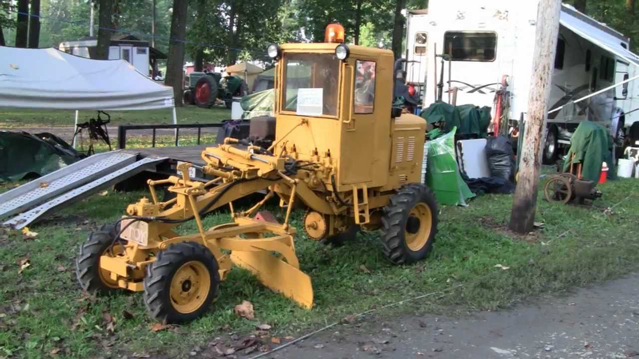 EXTREMELY RARE MINI ROAD GRADER