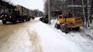 Вытаскивание лесовоза в Тоншаеве