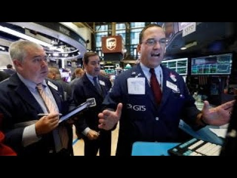 US stocks edge higher, shaking off tariff concerns