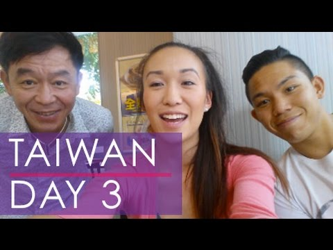 Taiwan 2015 (Day 3): Easy Way Group Tour & Bowling! | bethanyjchan vlog
