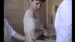 Наложение повязки Дезо(Наложение повязки Дезо используется при переломах ключицы и плечевой кости и производится в определенной..., 2011-10-14T10:12:42.000Z)