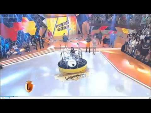 Eduarda Henklein tocando Guns 'roses - Welcome to the Jungle ao vivo no Legendarios