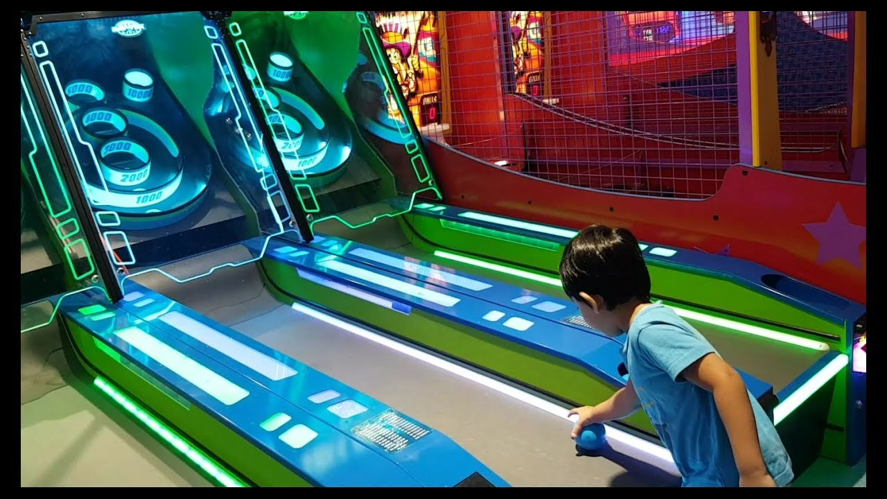 Chuck E Cheese Skee Ball Free Online Game | gamewithplay.com