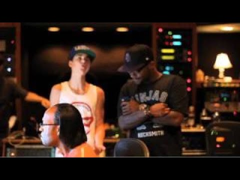 Under The Mistletoe Webisode - Boyz 2 Men And Justin In The Studio (FALALA)