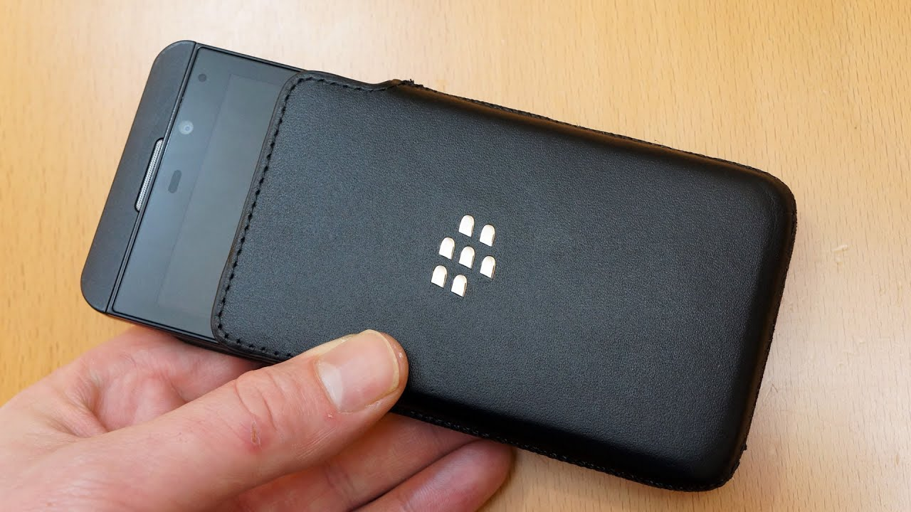 Genuine BlackBerry Z10 Leather Pouch Case Review ACC-49276-201