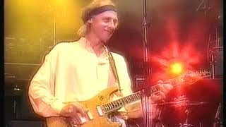Dire Straits - Sultans of swing - Live [AMAZING SOLO by Mark Knopfler] Basel 1992 - song lyrics sultans of swing dire straits
