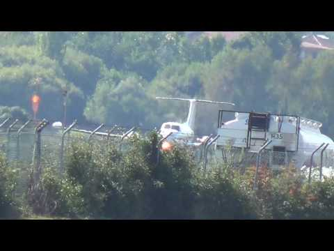 Beech B200T Super King Air  (OO-AIS) Circling to land RW 04 at EAS/LESO