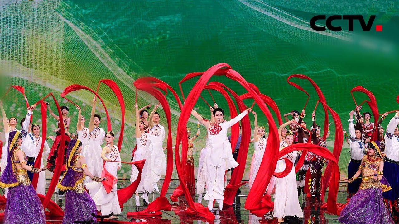 """春晚的""""私人订制""""!顶尖舞者诠释舞蹈的迷人魅力「2021春晚微记录」丨CCTV春晚"""