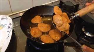 This is how to make aloo ke pakore.