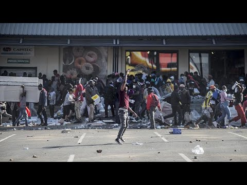 South Africa: Businesses close as unrest grows