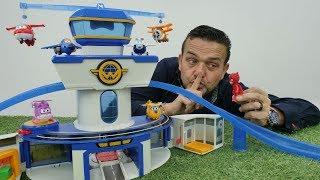 Los Aviones Súper Wings en español. Vídeo de juguetes.