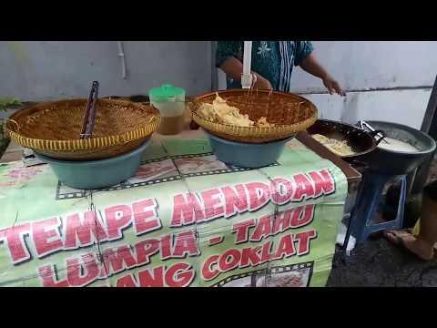 Jakarta Street Food - Tempe Mendoan