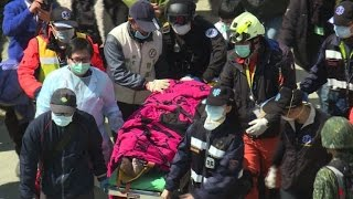 Two survivors rescued from rubble of Taiwan quake