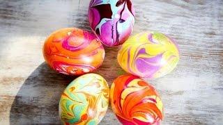 видео Как покрасить яйца на Пасху