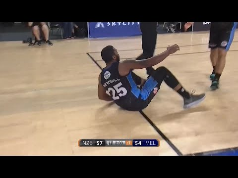 Devonte Newbill with 21 Points  vs. Melbourne United