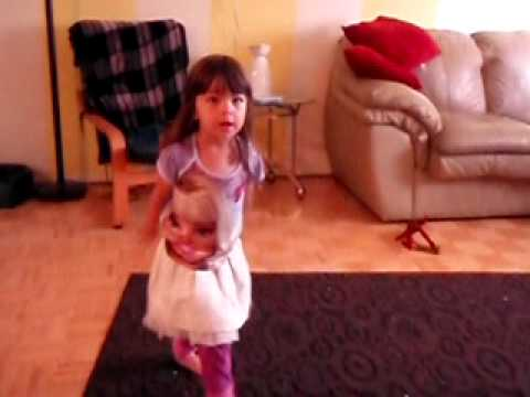 Karol Nava 3 years dancing Beyonce Single Ladies.AVI