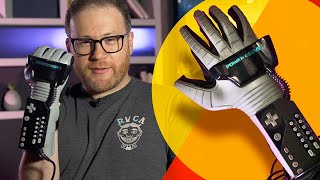 Gambar cover Nintendo's ridiculous Power Glove is as annoying as we remember