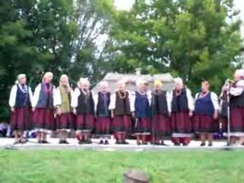 Ukrainian folk Sorochyntsi