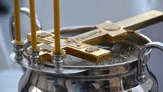 Освящение воды в храме Св. прав. Иоанна Кронштадтского.(19.01.2014г. 19 января в России отмечали Крещение Господне, или Богоявление - праздник, установленный в память..., 2014-01-20T13:02:43.000Z)