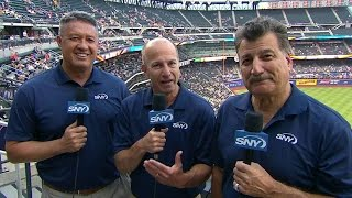 MIA@NYM: Mets' announcers broadcast from promenade