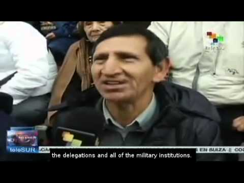 Humala presides the parade for Peru's independence