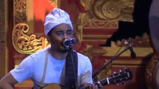 Video Glenn Fredly & The Bakuucakar - Cinta dan Rahasia @ Sanur Village Festival 2016 [HD] download MP3, 3GP, MP4, WEBM, AVI, FLV Oktober 2018