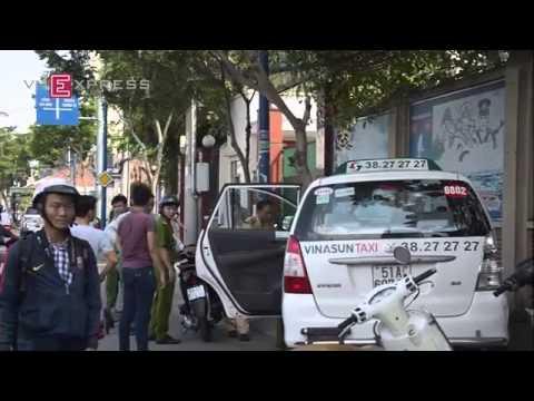 Tài xế taxi Vinasun đột tử khi đang xổ dốc cầu   VnExpress