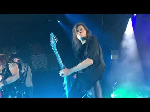 Helloween - Invitation / Eagle Fly Free (Live in Zurich)