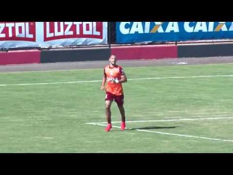 Roger Carvalho é afastado no Atlético GO