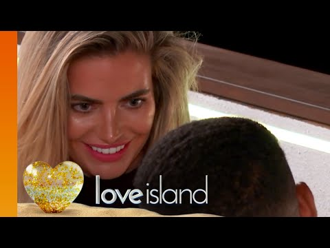 Megan Makes a Move on Wes  Love Island 2018