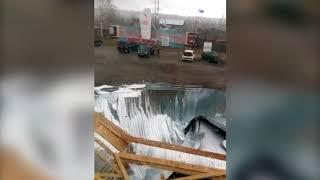 В посёлке Исеть ветер снёс крышу