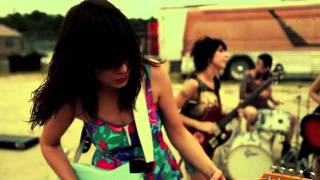 The Coathangers - Trailer Park Boneyard (OFFICIAL MUSIC VIDEO HD)