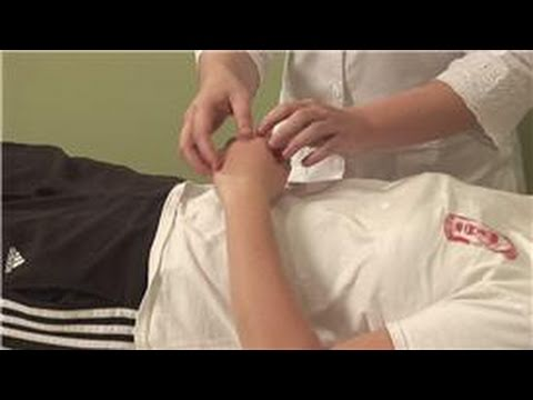 Alternative Health: Acupressure Methods : Acupressure for Constipation Relief