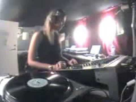 Andrea Parker - Groovetech Radio (2002-07-04)