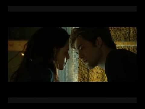 Twilight  - First Kiss Scene [HQ]
