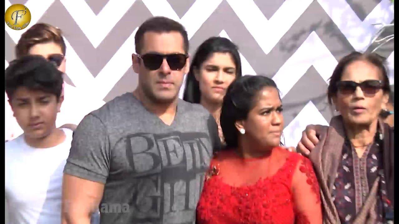 Salman Khan Family Friends At Arpita Khan Baby Shower Youtube