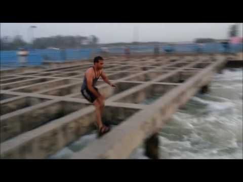 People are Awesome ¦ India ¦ Students diving in the Ganga canal 2017