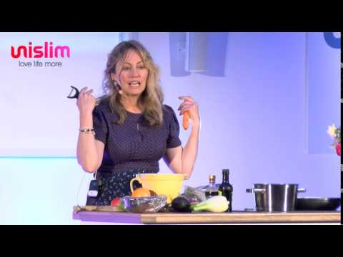 Clodagh McKenna makes her favourite healthy recipes at the Unislim Health & Wellness Show