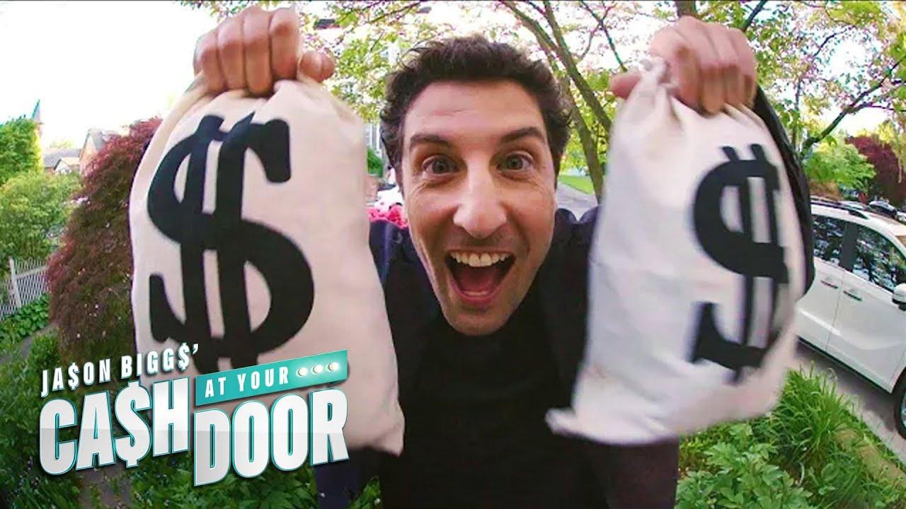 """Jason Biggs Is Giving Away """"Cash at Your Door""""   E!"""